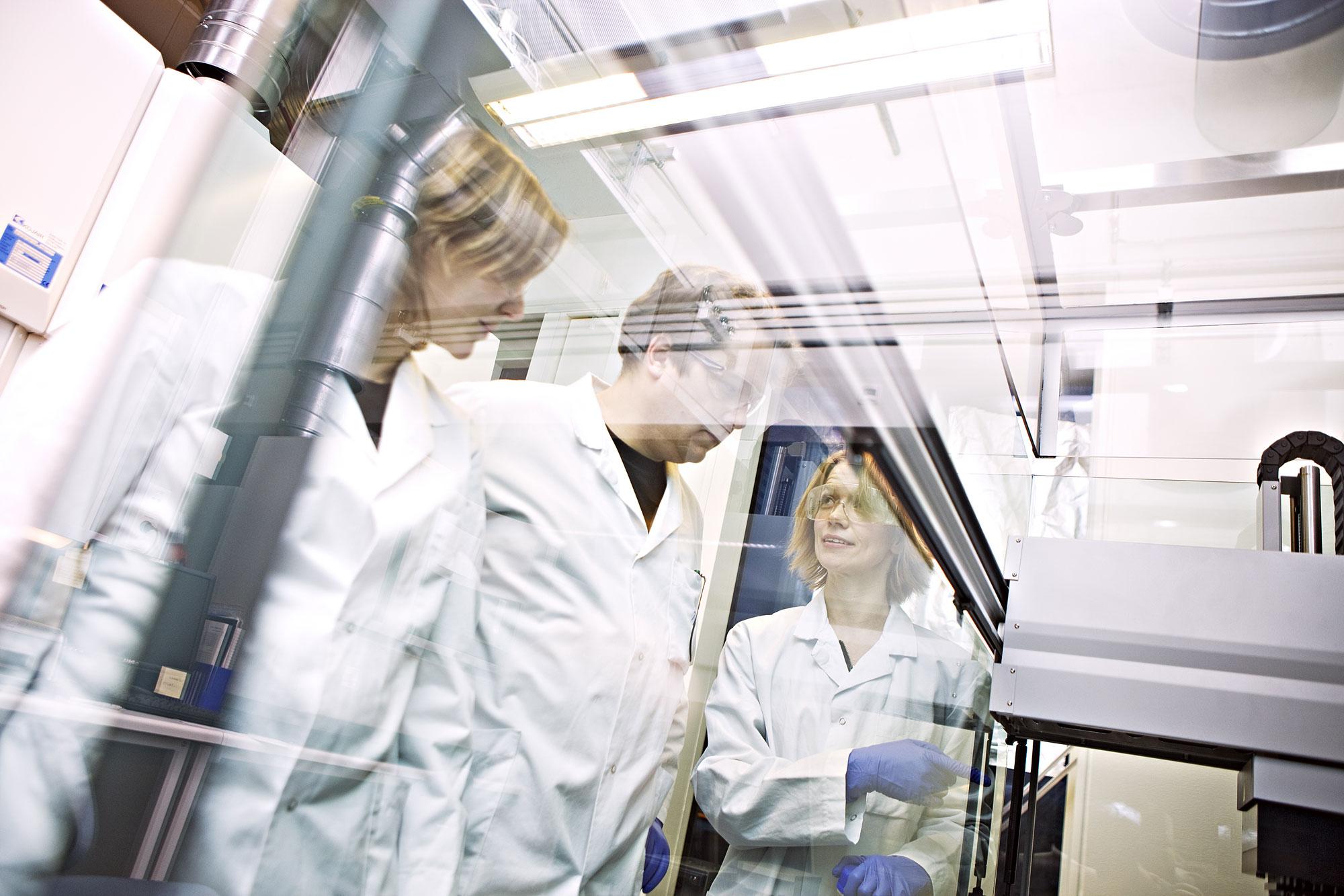 Fra lab på Det medisinske fakultet, NTNU, foto: Geir Mogen/NTNU