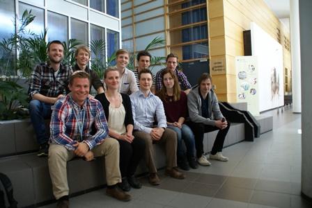 De 12 Forskerlinjestudenter fra kull 11 er i gang med arbeidet som en dag vil gi dem en doktorgrad