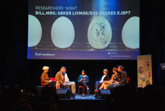 Paneldebatt mellom forskerne. (Foto: Maria C. Stuifbergen)