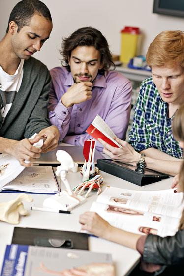 Medisinstudenter (foto: Geir Mogen)