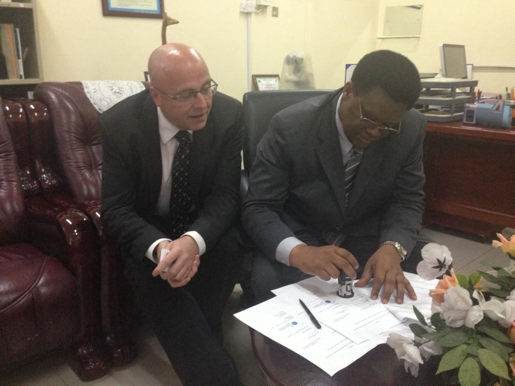 Signerer avtale