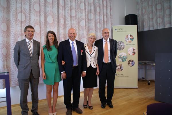 Jørn Krog, datter Duva Holen, Are Holen, Turid Suzanne Berg-Nielsen og Stig Slørdahl