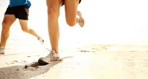 Løpe i sand. Foto: iStockPhoto