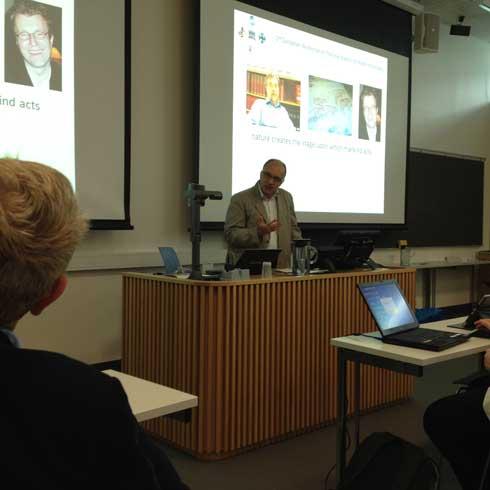 Grant Cumming snakker på PAHI-workshop i Trondheim 2014