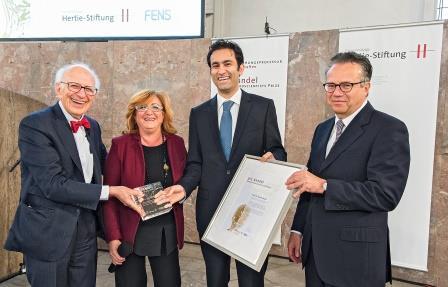 Yasser Roudi receives Eric Kandel Prize