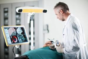 Et instrument som lammer bestemte nerver hos pasienter med kronisk migrene utvikles i prosjektet Multiguide.
