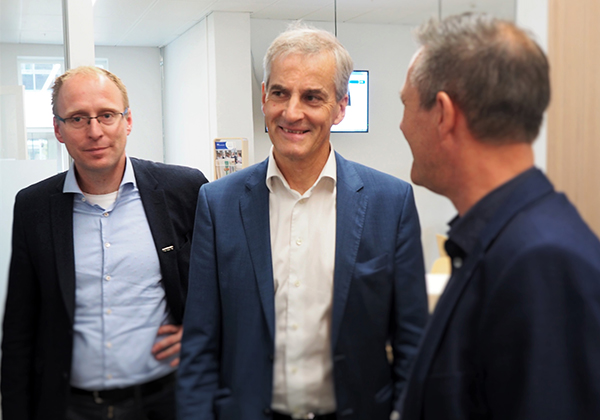 Foto: NTNU Fra venstre: Magnus Steigedal, Jonas Gahr Støre og Nils Kvernmo.