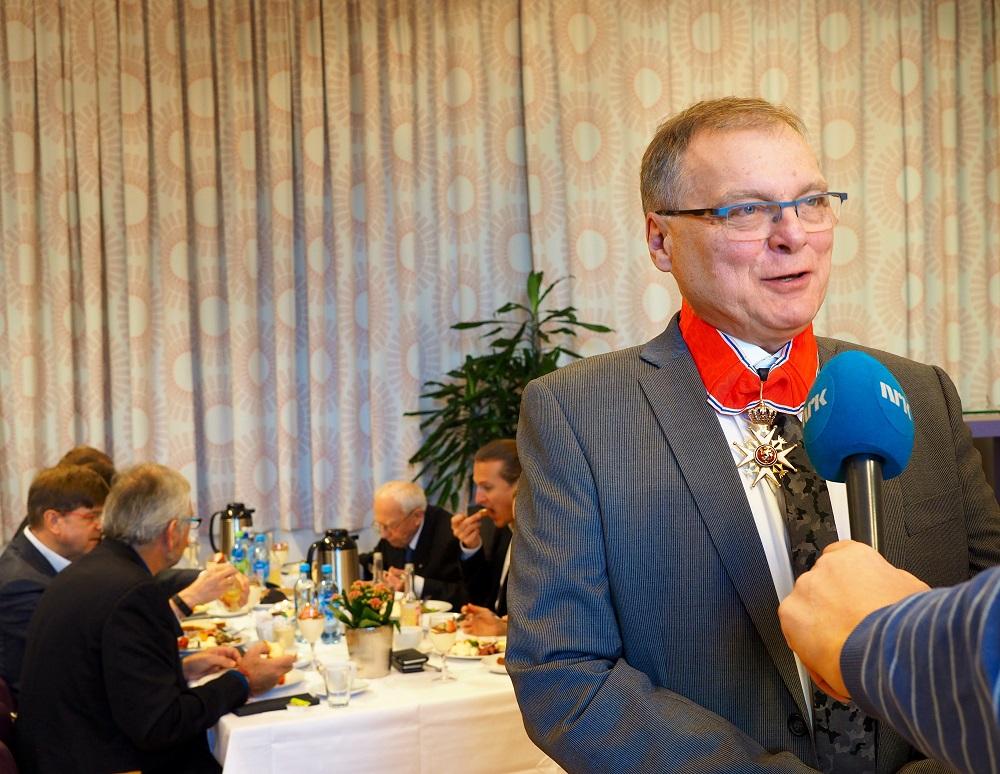 Hans Einar Krokan intervjues av NRK Trøndelag.