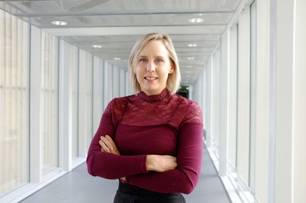 Oddrun Elise Olsen forsker på hvordan signalmolekylet BMP kan bidra til å drepe kreftceller og om det kan brukes i behandling av pasienter med beinmargskreft.