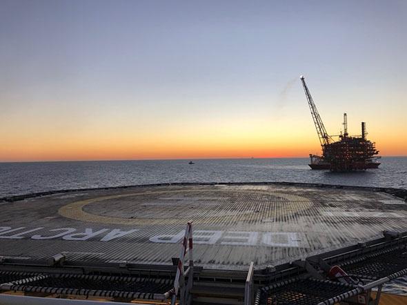 Solneddgang på skipsdekk.