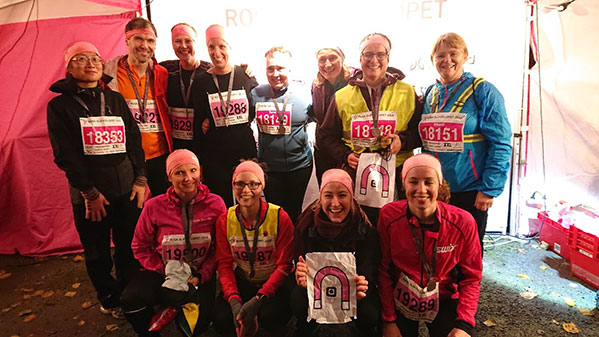 Gruppebilde av forskere som deltok i Rosa Sløyfe Løpet 2018.